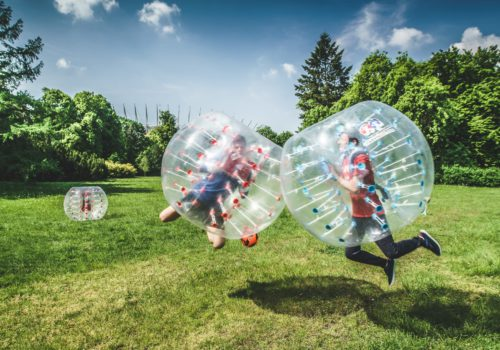 Bubble Football na trawie